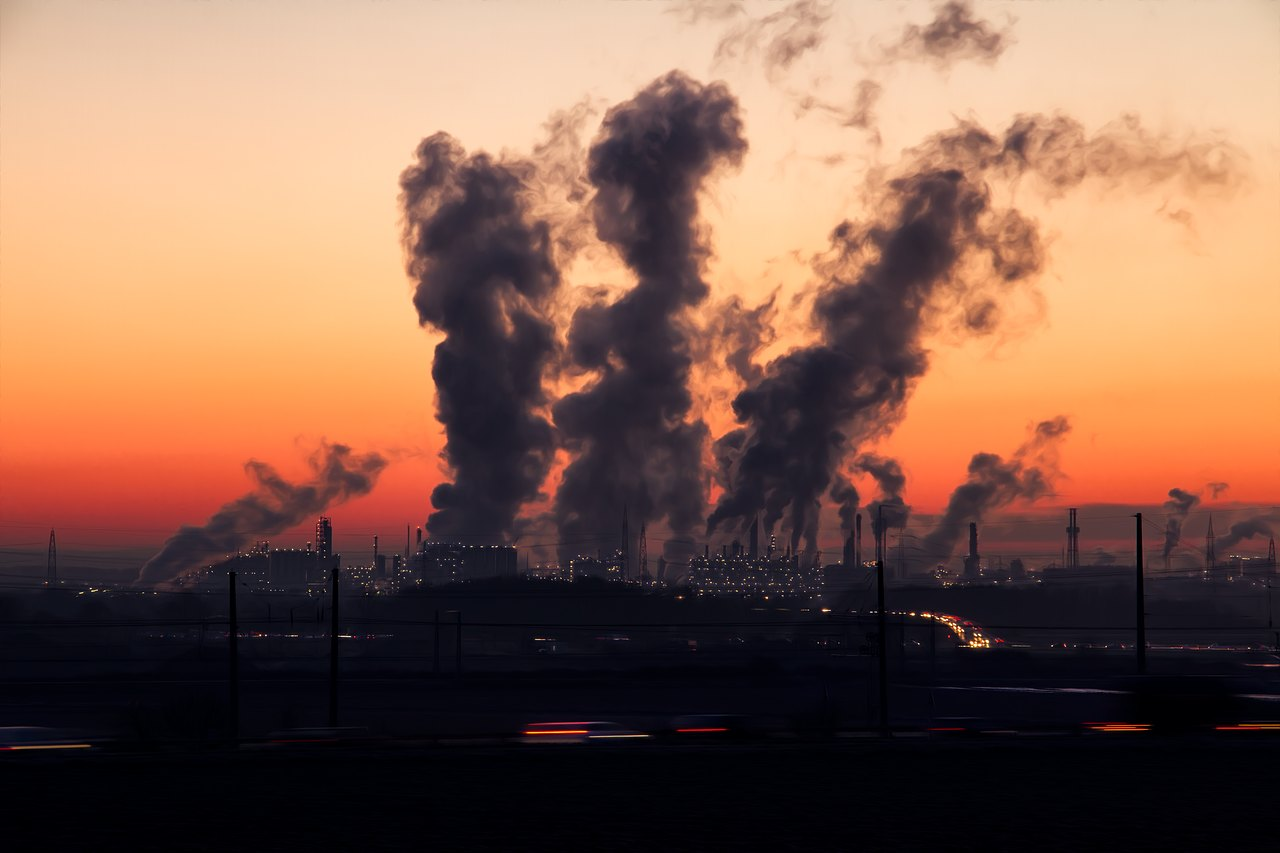 wpływ przemysłu na powstawanie kwaśnych deszczy