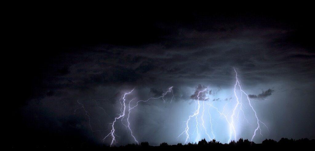 odległość od burzy - jak obliczyć?